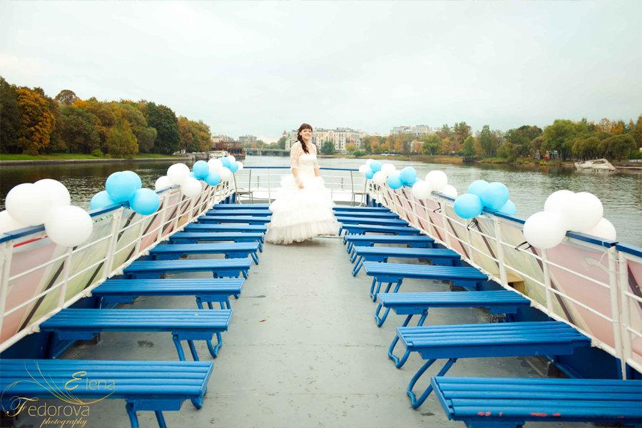 фотография невесты на теплоходе