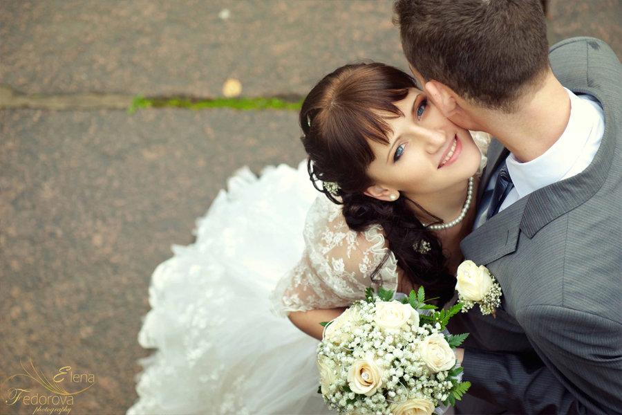 свадебная фотография взгляда невесты