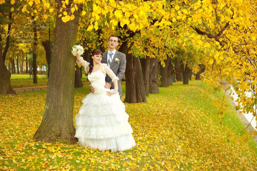 свадебное фото осенью