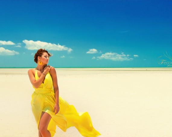 Яркая и необычная фотосессия на пляже. Мексика