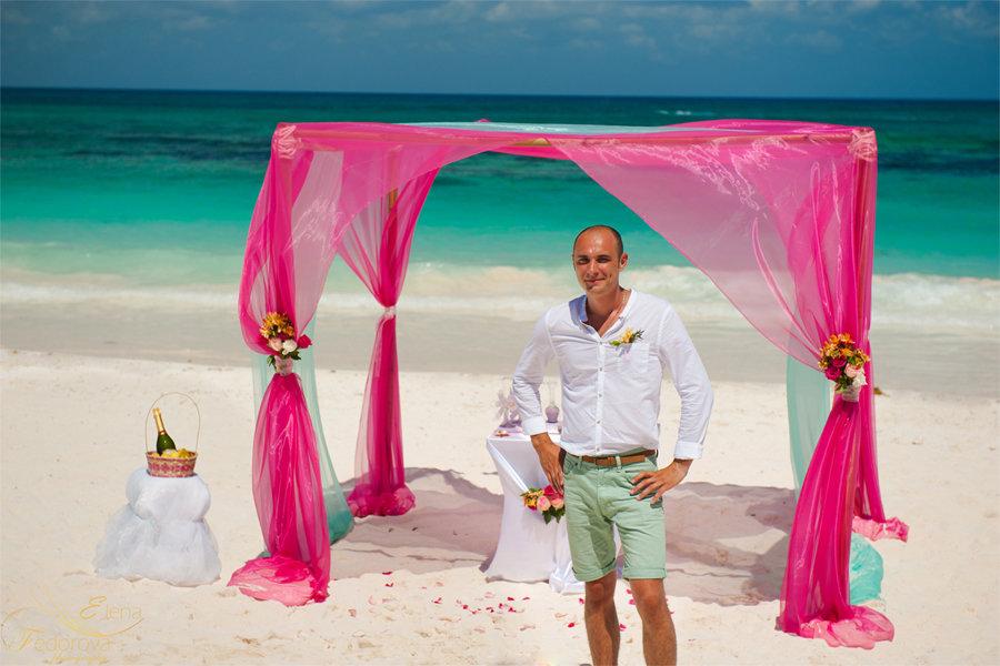 жених на свадьбе в мексике