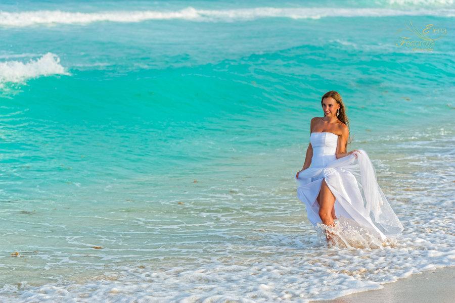 портрет невесты на пляже в канкуне