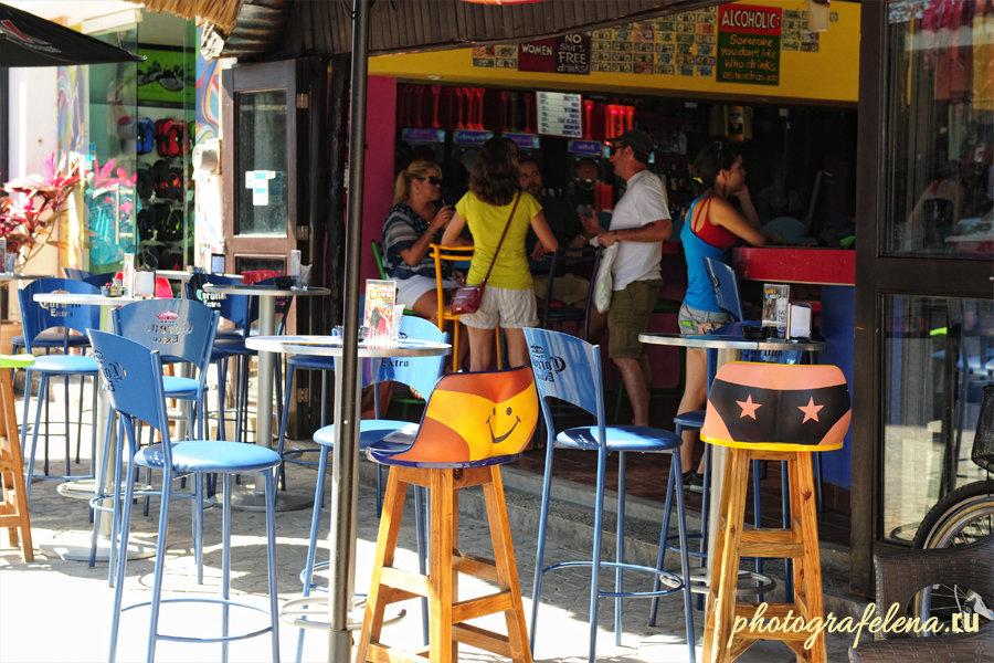 бар на улице в плая дель кармен