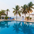 Свадьба под дождем в Omni Resort Ривьера Майя, Мексика