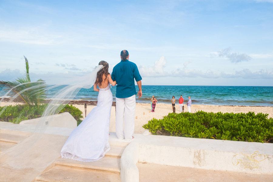 невеста на свадьбе в мексике