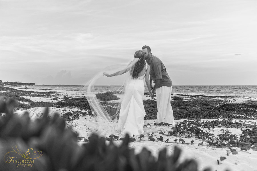 свадебная фотография на пляже