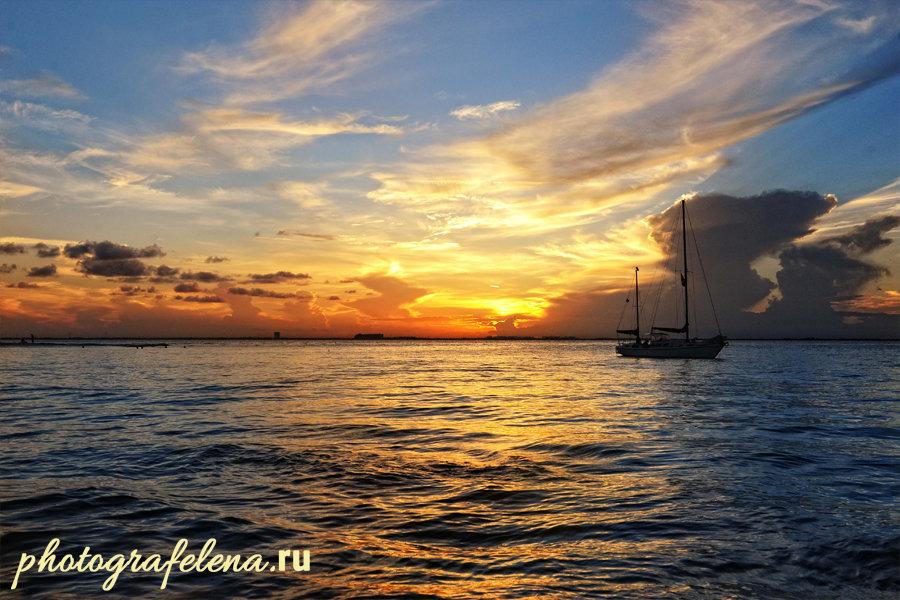 закат на острове исла мухерес мексика