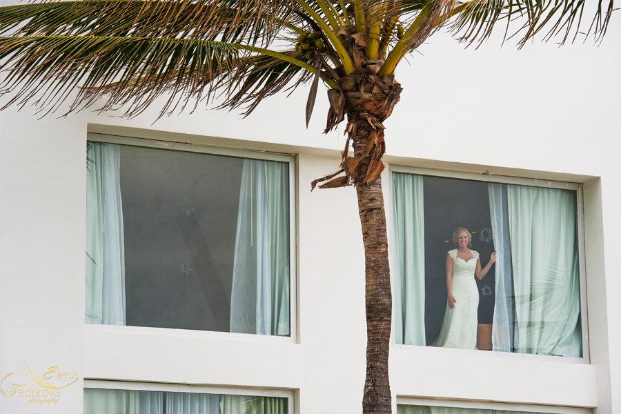 портрет невесты окно