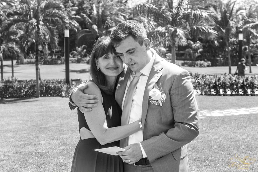 жених с мамой фото