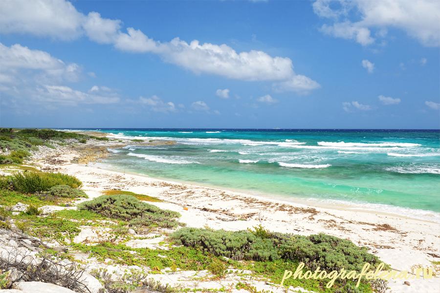 безлюдный пляж косумель