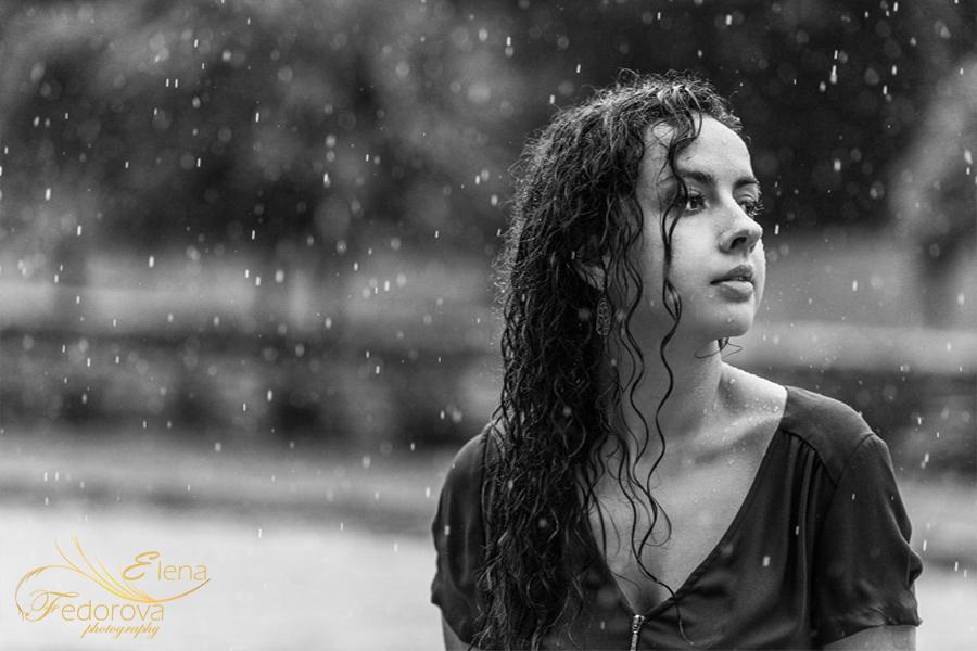 фото под дождем девушка