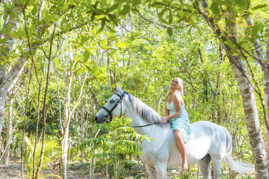 профессионлаьная фотосъемка с лошадью