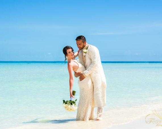 Церемония обновления свадебных клятв на Острове Женщин