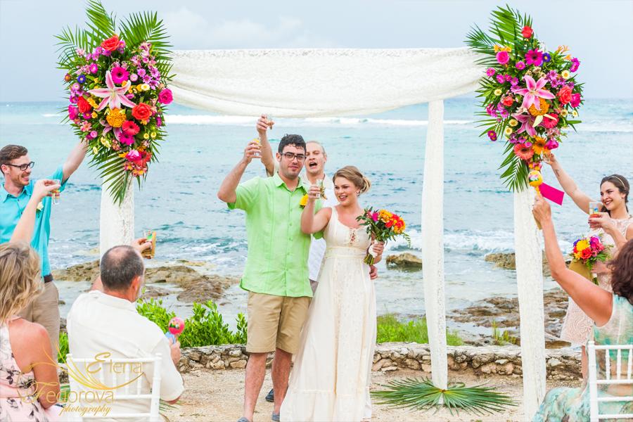 свадьба на пляже акумаль в мексике
