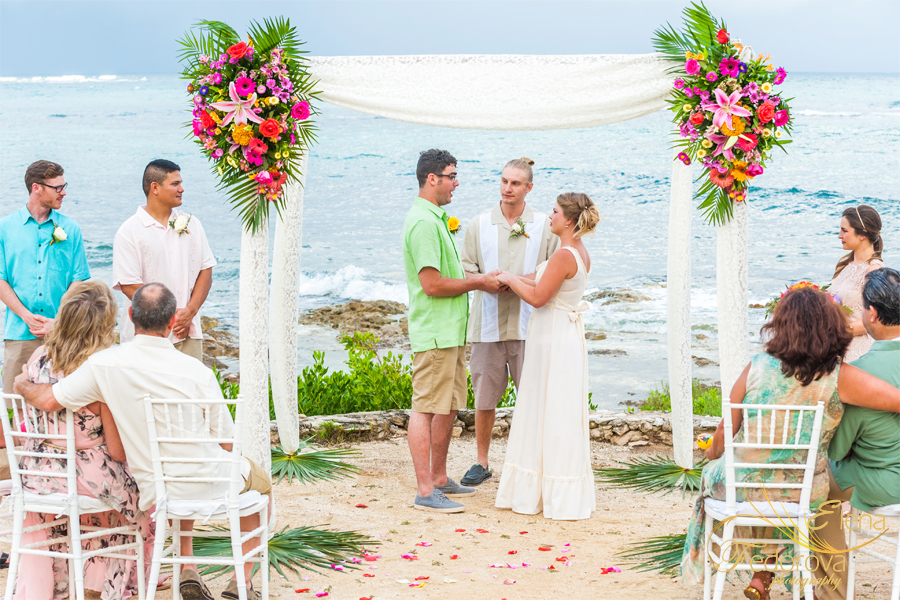свадьба на пляже акумаль
