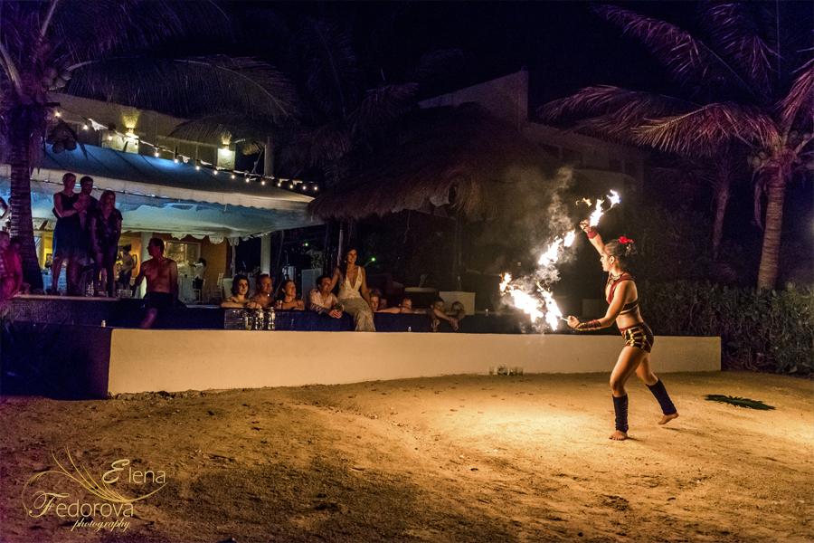 шоу с огнем в мексике