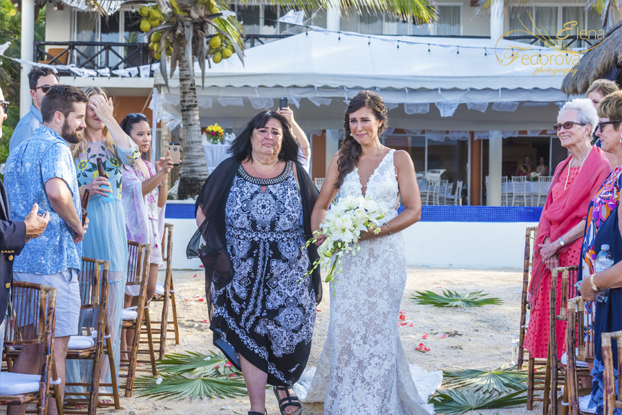 свадьба на вилле в мексике невеста и мама