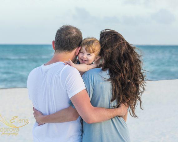 Семейная фотосьемка на пляже в Плая дель Кармен