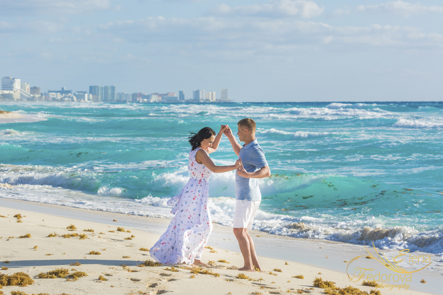 танцы на берегу моря