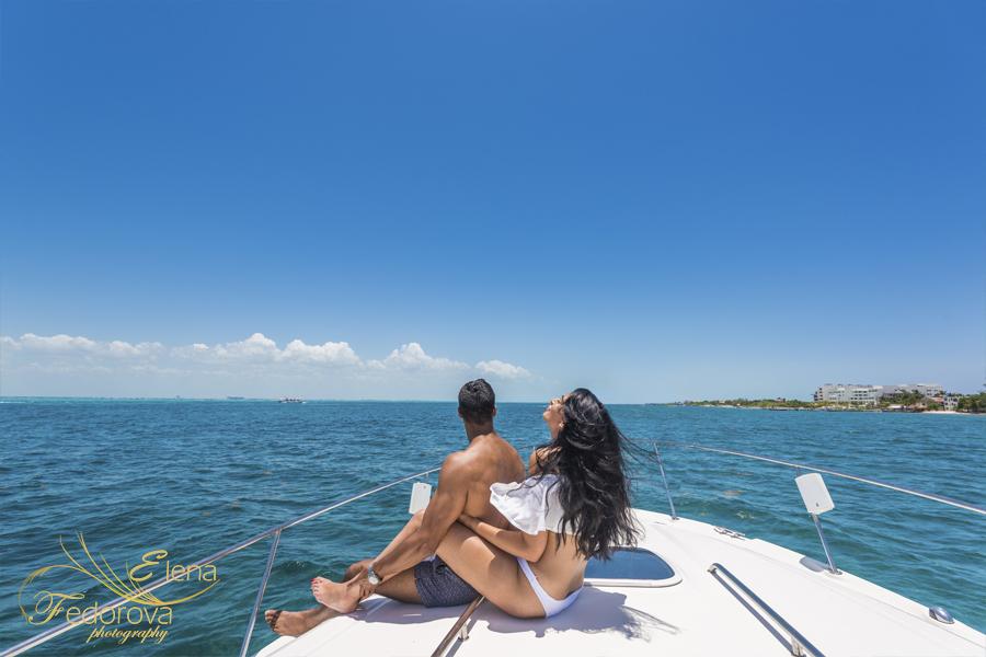 красивое фото на яхте модель канкун