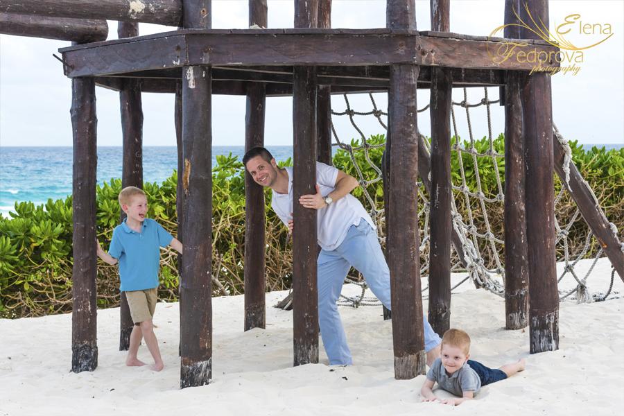 папа и дети фото пляж